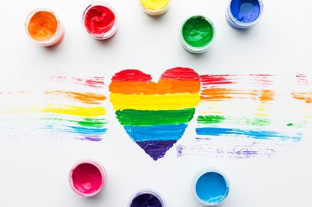 Rainbow sombreado orgullo corazón y tempera