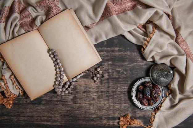 Ramadán de islam, palmera datilera para el ramadán