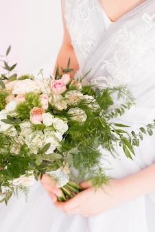 Ramo de novia de rosas rosadas
