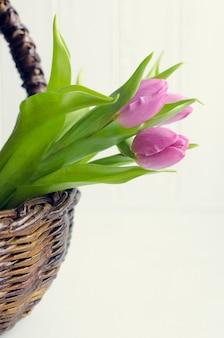 Ramo de tulipanes rosados