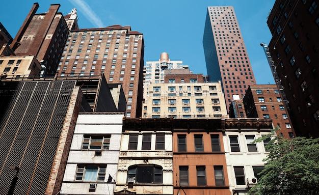 Rascacielos y edificios en manhattan. arquitectura de manhattan y nueva york