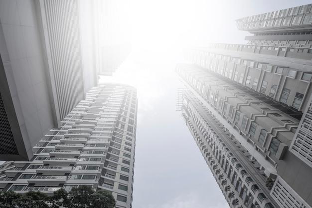 Rascacielos de negocios modernos comunes, edificios de gran altura, bangkok, tailandia