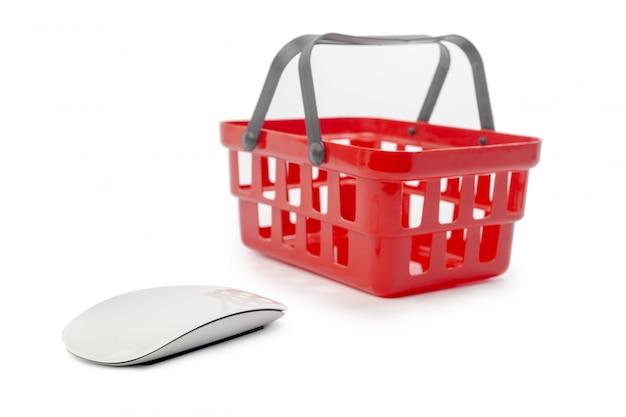 Ratón de computadora y carrito de compras