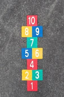 Rayuela vintage juego callejero para niños