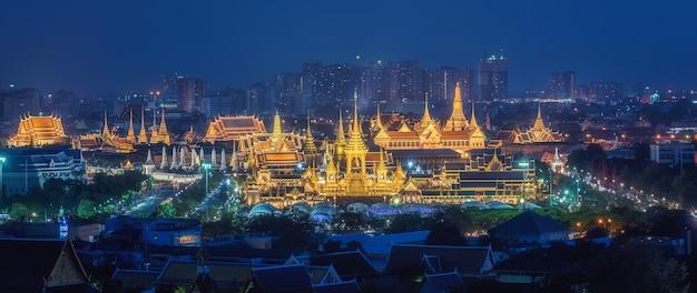 El real crematorio para su majestad el rey bhumibol adulyadej en sanam luang.