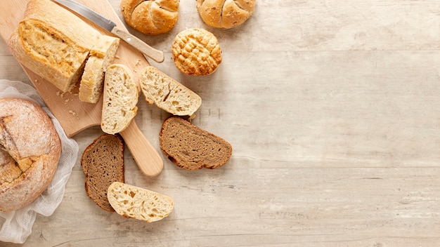 Rebanadas de pan con espacio de copia