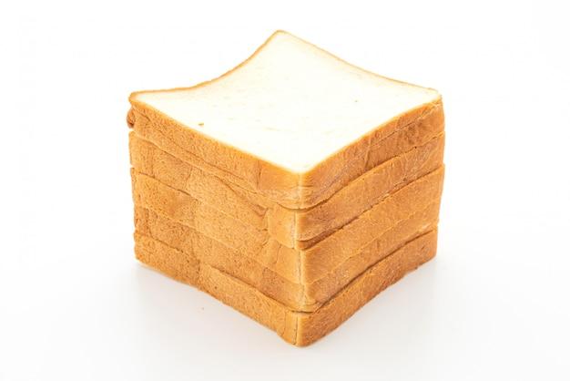 Rebanadas de pan sobre fondo blanco