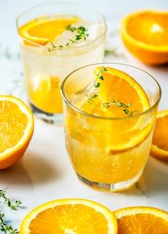 Receta de agua infusión de naranja y tomillo