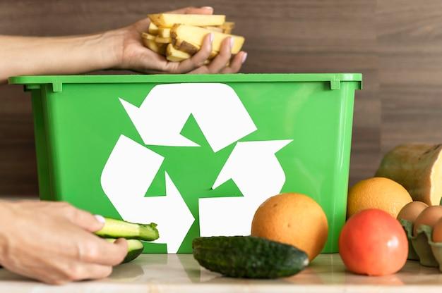 Reciclaje individual de verduras orgánicas