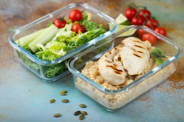 Recipientes para preparar comidas saludables.