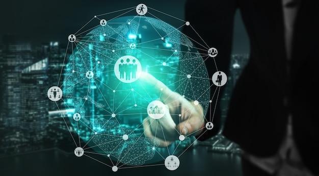 Reclutamiento de recursos humanos y concepto de redes de personas.