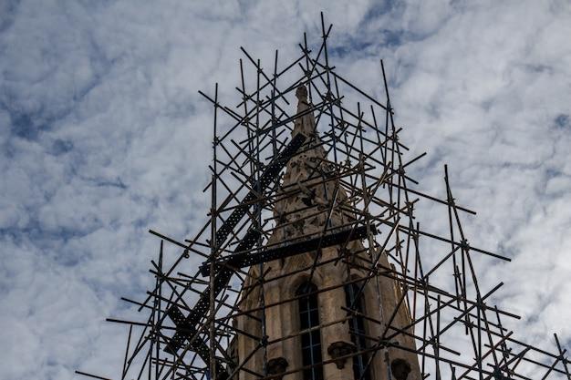 Reconstrucción de la iglesia
