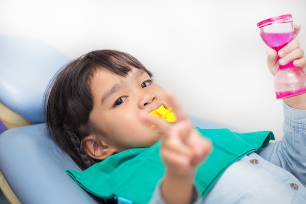 El recubrimiento de flúor en niños
