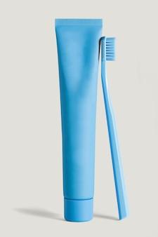 Recurso de diseño de juego de limpieza de dientes azul cerúleo