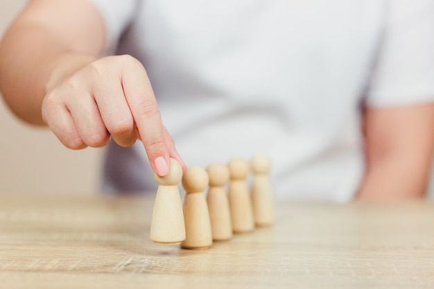 Recursos humanos de mano, reclutamiento y gestión de talentos.