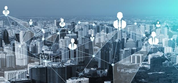 Red de personas y concepto de comunicación creativa global.