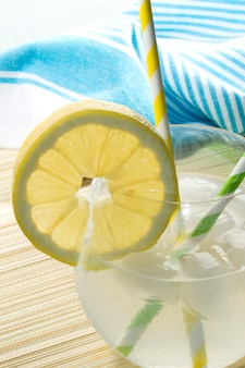 Refrescante limonada de verano