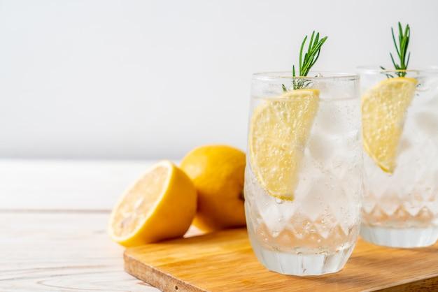Refresco de limonada helada