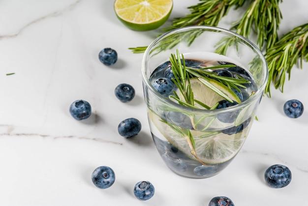 Refrescos de verano bebidas dietéticas.