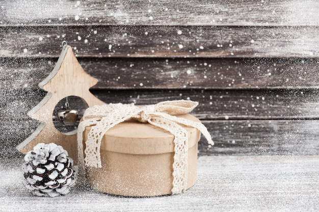 Regalo artesanal y decoración navideña de madera