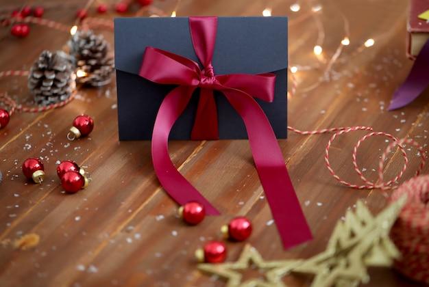 Regalo de navidad y adornos.