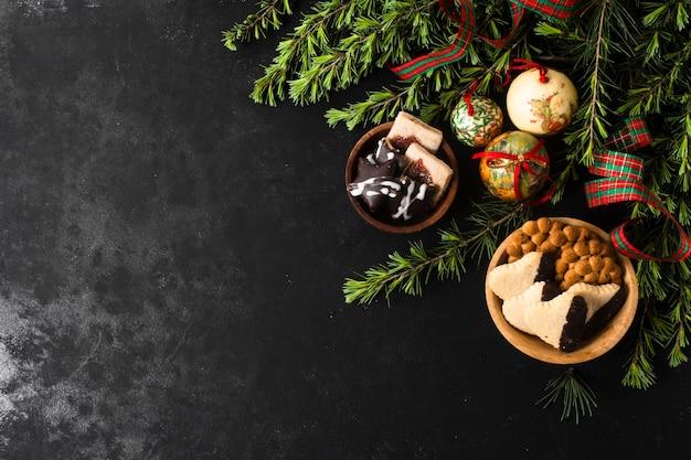 Regalos navideños con espacio de copia