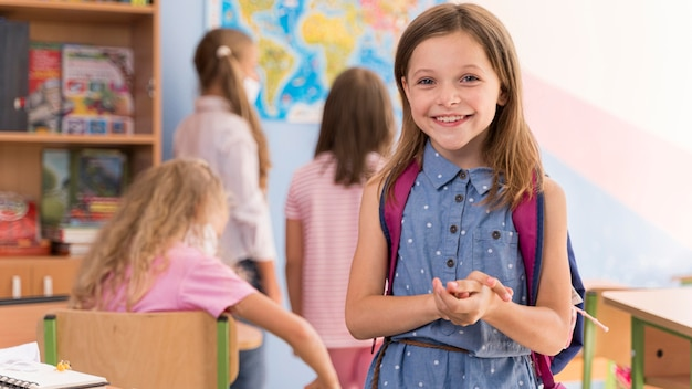 Regreso a la escuela durante el concepto de covid