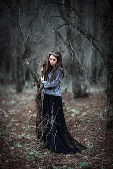 La reina oscura en el bosque de hadas