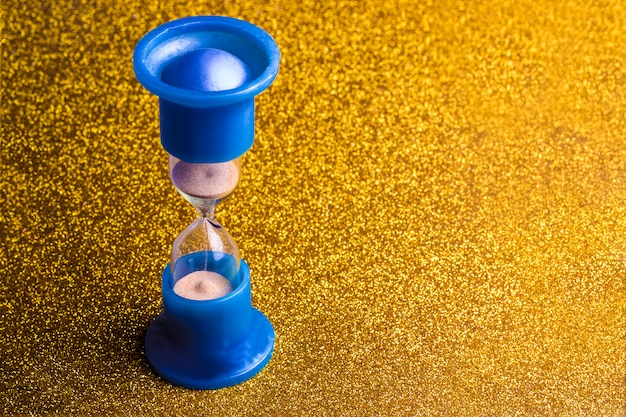 Reloj de arena con purpurina