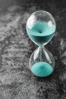 Reloj de arena de reloj de arena antiguo vintage de estilo clásico