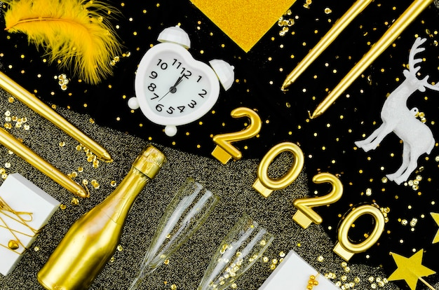 Reloj de celebración de año nuevo 2020
