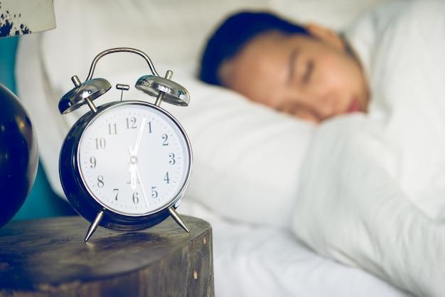 Reloj en dormitorio