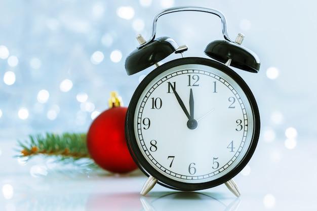 Reloj con navidad para cambio de horario en invierno.