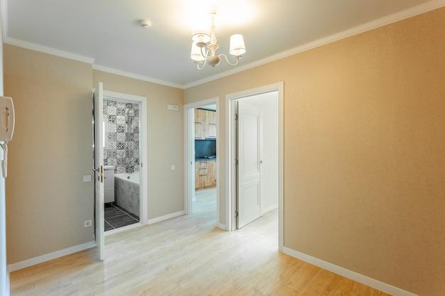 Renovación de alta calidad de un apartamento luminoso.