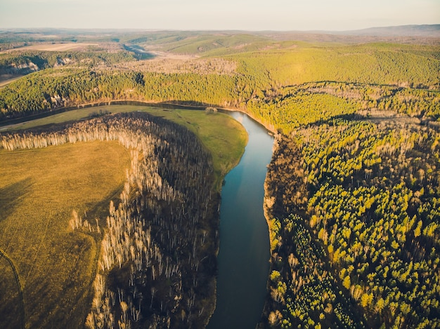 República de bashkortostán, ríos, otoño idrisovskaya cueva.