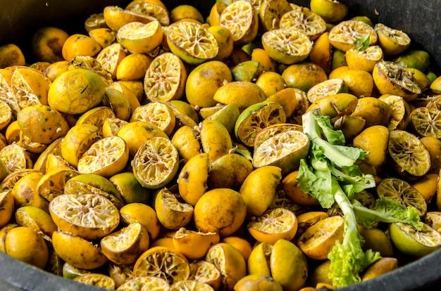 Residuos orgánicos del mercado de productos frescos.