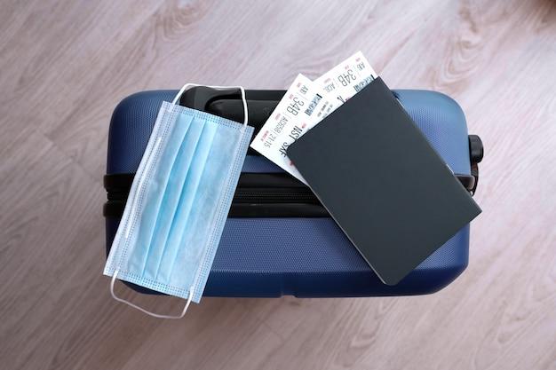 Restricción de viaje covid-19 debido al uso de máscara obligatoria del virus corona en vuelos de avión a europa