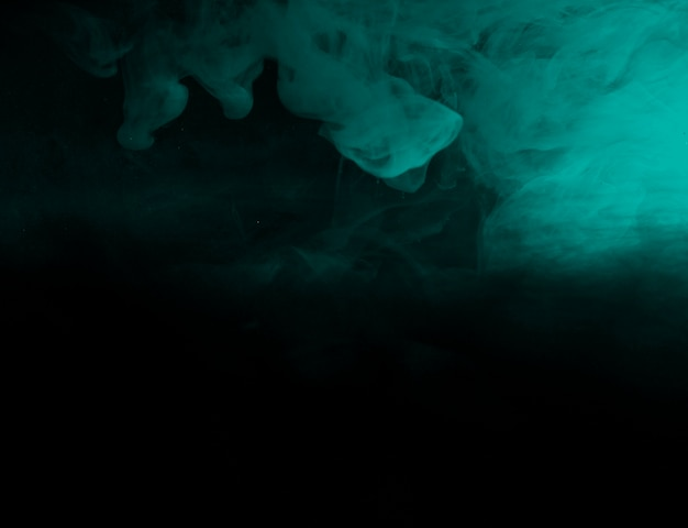 Resumen azul bruma en la oscuridad