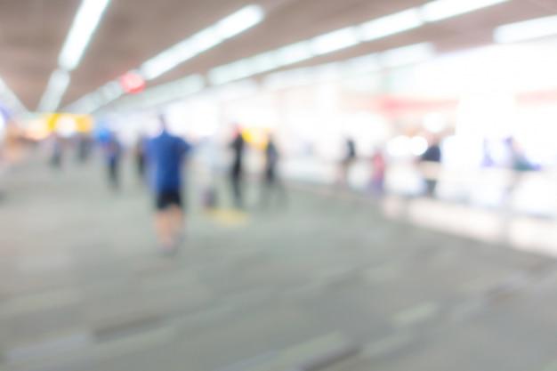 Resumen borroso pasajero en el aeropuerto.