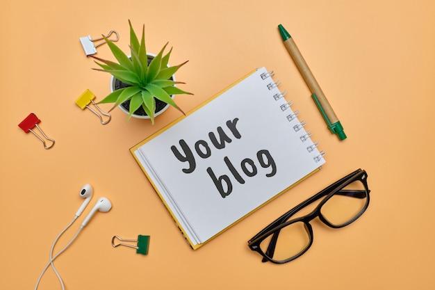 Resumen escrito a mano en tu blog como un concepto de diario personal.