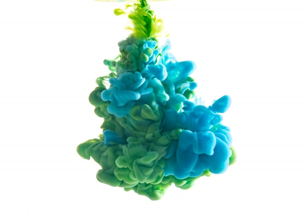 Resumen formado por color que se disuelve en agua