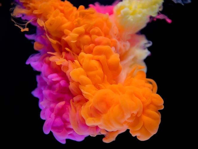 Resumen de la nube naranja y rosa