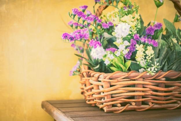 Resumen planta de papel tapiz decorativo verano