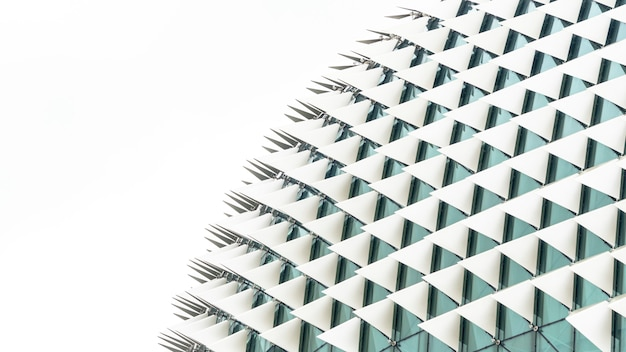 Resumen triángulo doblado patrón blanco degradado