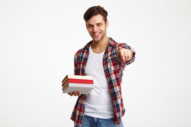 Retrato de un alegre alegre estudiante masculino