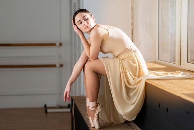 Retrato de bailarina elegante bailarina
