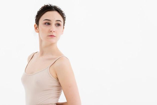 Retrato de bella joven bailarina