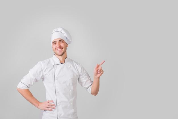 Retrato de chef presentando copyspace