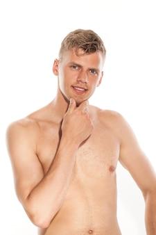 Retrato de chico guapo desnudo