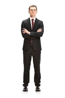 Retrato de cuerpo entero del empresario en blanco
